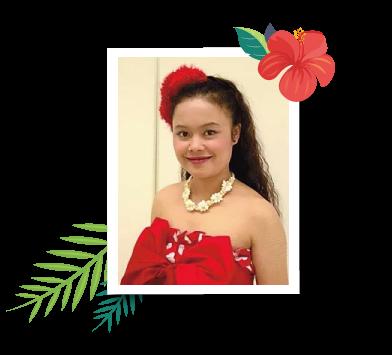 インストラクタークム「AYA」              ハワイアンネーム:POMAIKAI'I WALE(ポマイカイ イ ワレ)